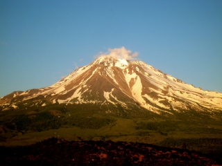 shasta-from-our-road